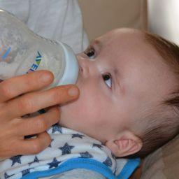 Baby Bottlefeeding
